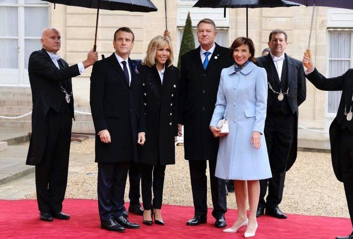 Ţinuta purtată şi în 2018 la întâlnirea cu preşedintele Franţei.