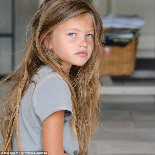 Cum arată acum fetiţa care la 6 ani era desemnată cea mai frumoasă din lume? E surprinzător!