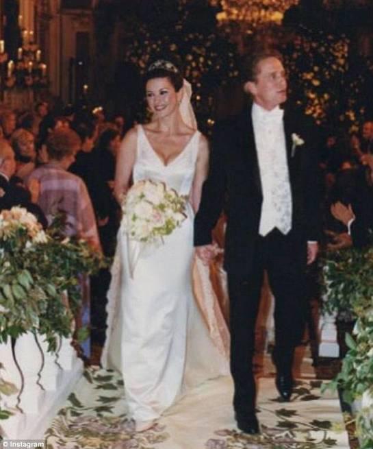 Cum a început povestea de iubire dintre Catherine Zeta-Jones şi Michael Douglas?