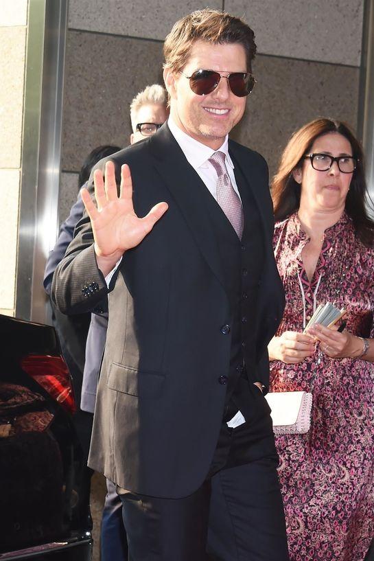 Ups! Tom Cruise a uitat să facă asta înainte să păşească pe covorul roşu! Ce-au văzut cei prezenţi?