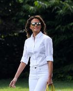 Cel mai sexy outfit purtat de Melania Trump, vara aceasta! Preţul este unul ameţitor