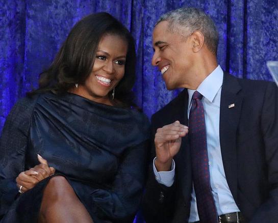 Soţii Obama au dansat pe piesele lui Beyonce. Iată ce mişcări are fosta primă-doamnă!