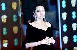Angelina Jolie, geloasă după ce Brad Pitt a îmbrăţişat o altă actriţă! Ce se întâmplă cu fosta lui soţie?