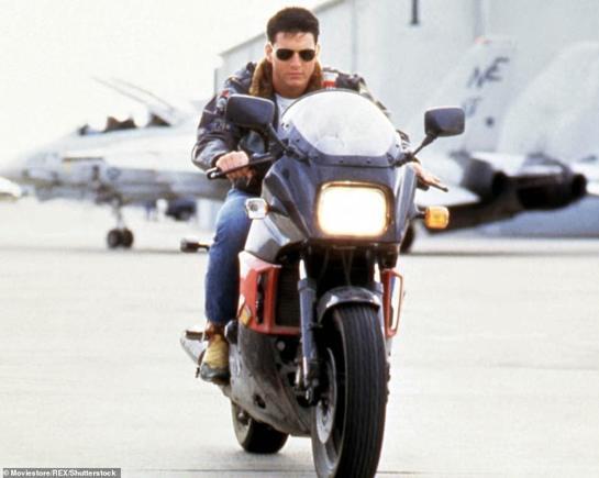 """Atunci & acum. Tom Cruise, neschimbat la 32 de ani de la filmările """"Top Gun"""""""