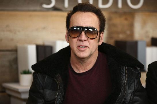 Nicolas Cage, scene explicite de sex! Surprins în pat cu o actriţă în vârstă de 44 de ani VIDEO
