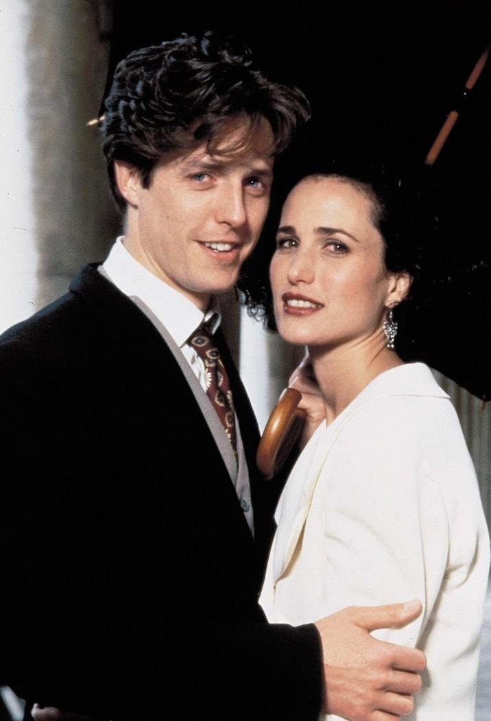 Un rol care i-a adus notorietatea: Patru nunţi şi-o înmormântare, în care a jucat alături de Hugh Grant