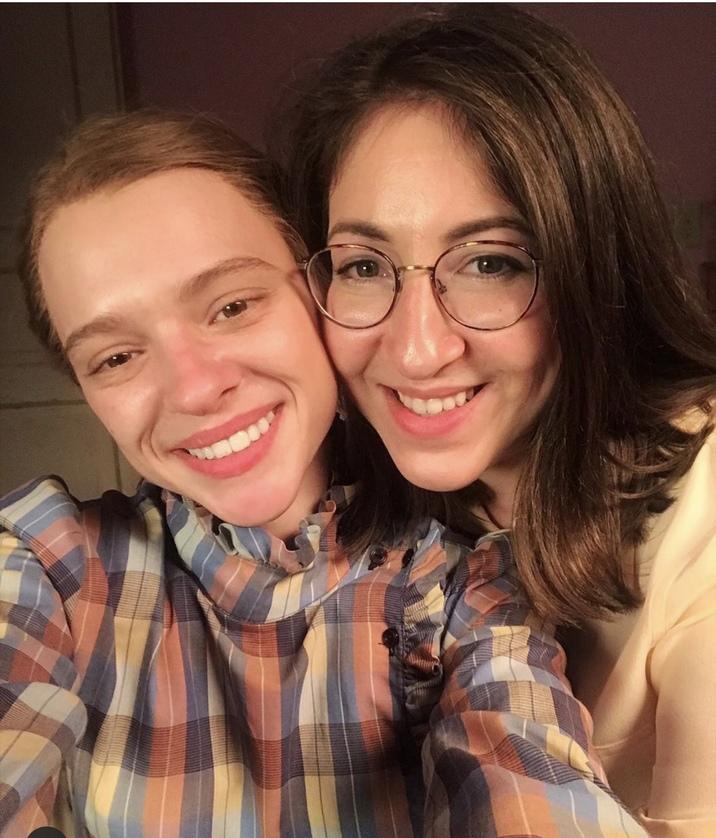 Shira Haas alături de Deborah Feldman, scriitoarea care a inspirat scenariul filmului