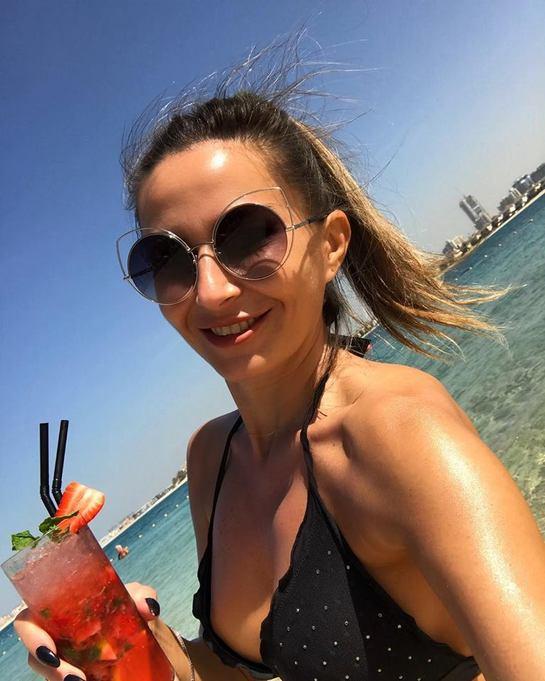 Crina Abrudan face furori pe plajele din Dubai