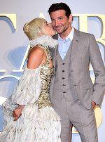 Lady Gaga, super elegantă la braţul lui Bradley Cooper! Iată ce bine le stă împreună