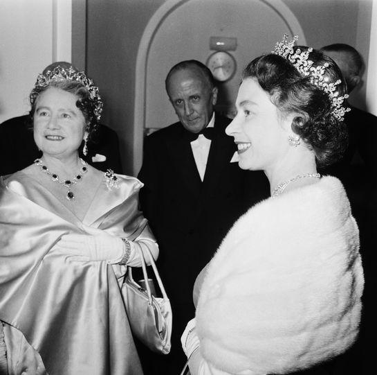 Amintiri despre Regina Mamă Elisabeta, la 15 ani de la moartea ei