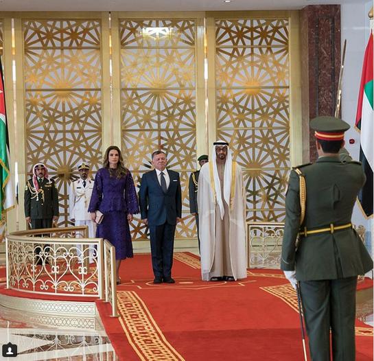 Regina Rania, superbă la întâlnirea cu Şeicul Mohammed! A purtat o rochie cu un croi atipic