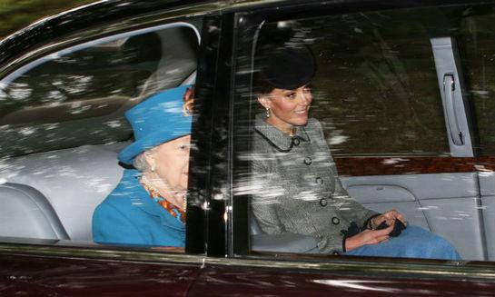 Apariţie surpriză! Iată cu ce ocazie a fost văzută Kate Middleton alături de Regina Elisabeta