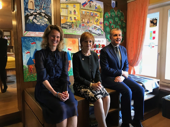 Cuplul regal român a fost primit de familia princiară din Liechtenstein. Uite ce au primit drept cadou!