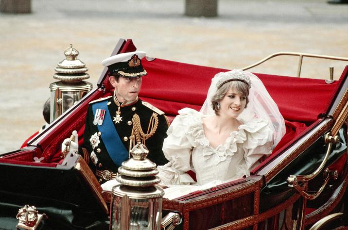 Intrarea în familia regală i-a rotunjit considerabil Dianei averea.