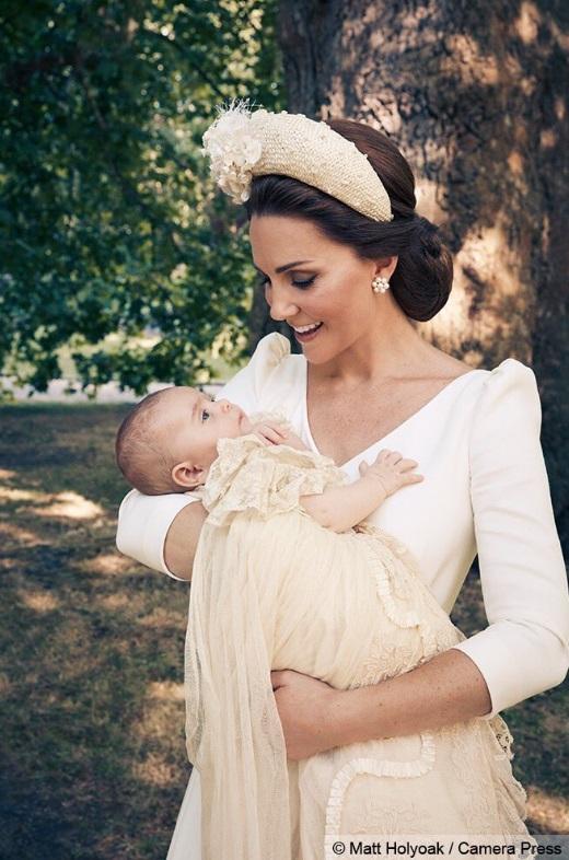 Ce a făcut Kate a doua zi după naşterea Prinţului Louis? Nimeni nu a mai trecut prin asta!