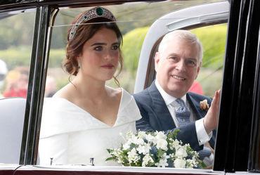 Prinţesa Eugenie, primele fotografii în rochia de mireasă. A purtat o creaţie surprinzătoare!