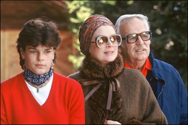 Stephanie, alături de mama ei, Grace Kelly şi de tatăl ei, Prinţul Rainier