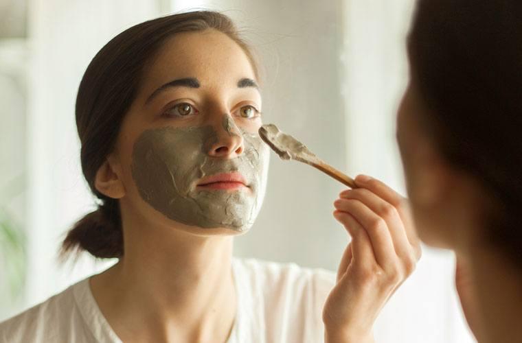 Cea mai eficientă mască pentru faţă, cu bicarbonat de sodiu, pentru înlăturarea punctelor negre