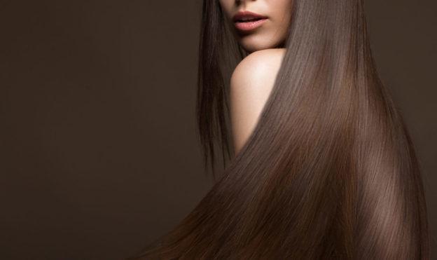 Ai auzit de masca de păr cu votcă? Încearcă acest amestec 100% natural care stimulează creşterea