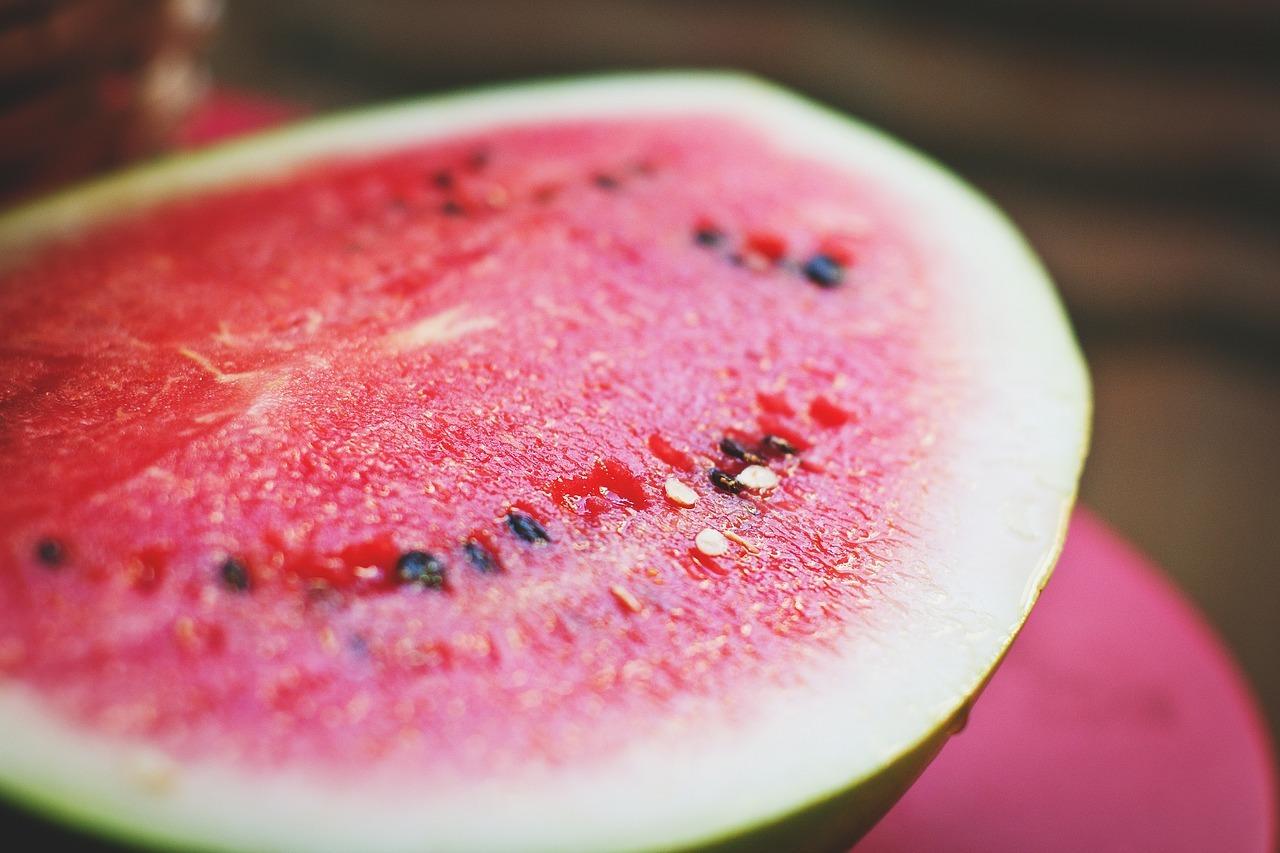 Pepenele, cel mai toxic fruct. Semnele care îţi arată că este plin de pesticide