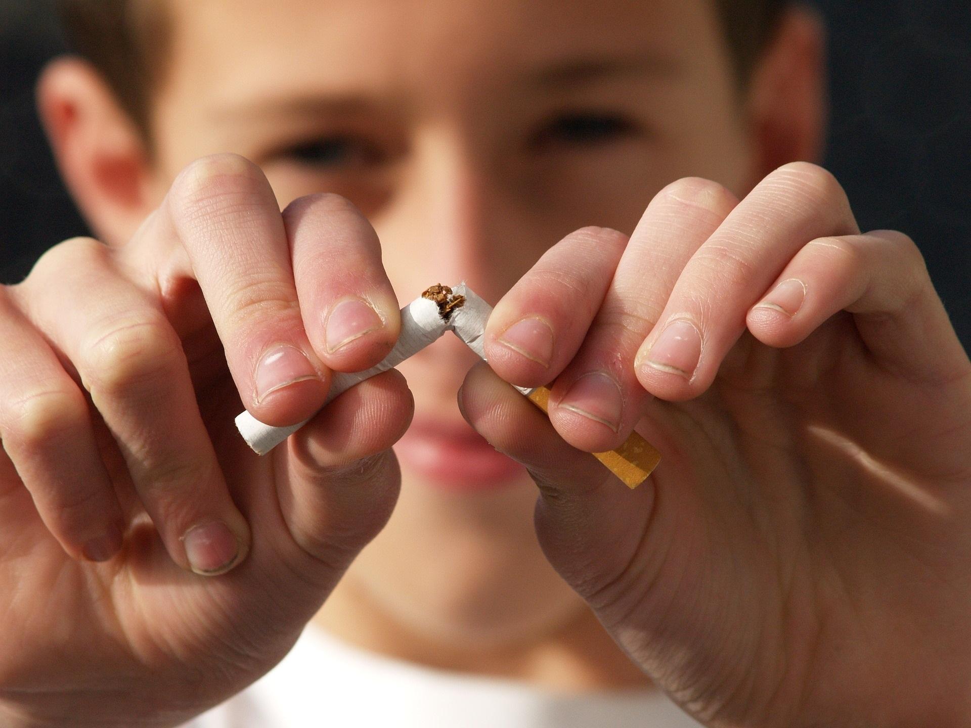 Remedii împotriva fumatului: Lista alimentelor care te scapă de ţigări