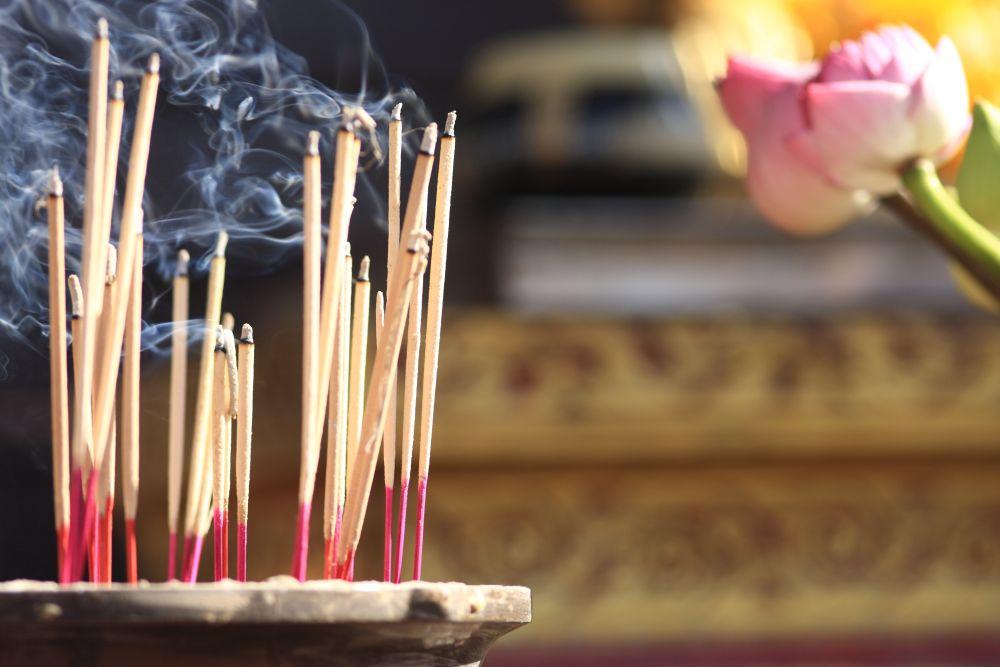 Beţişoare parfumate: cum le foloseşti ca să nu-ţi fie rău
