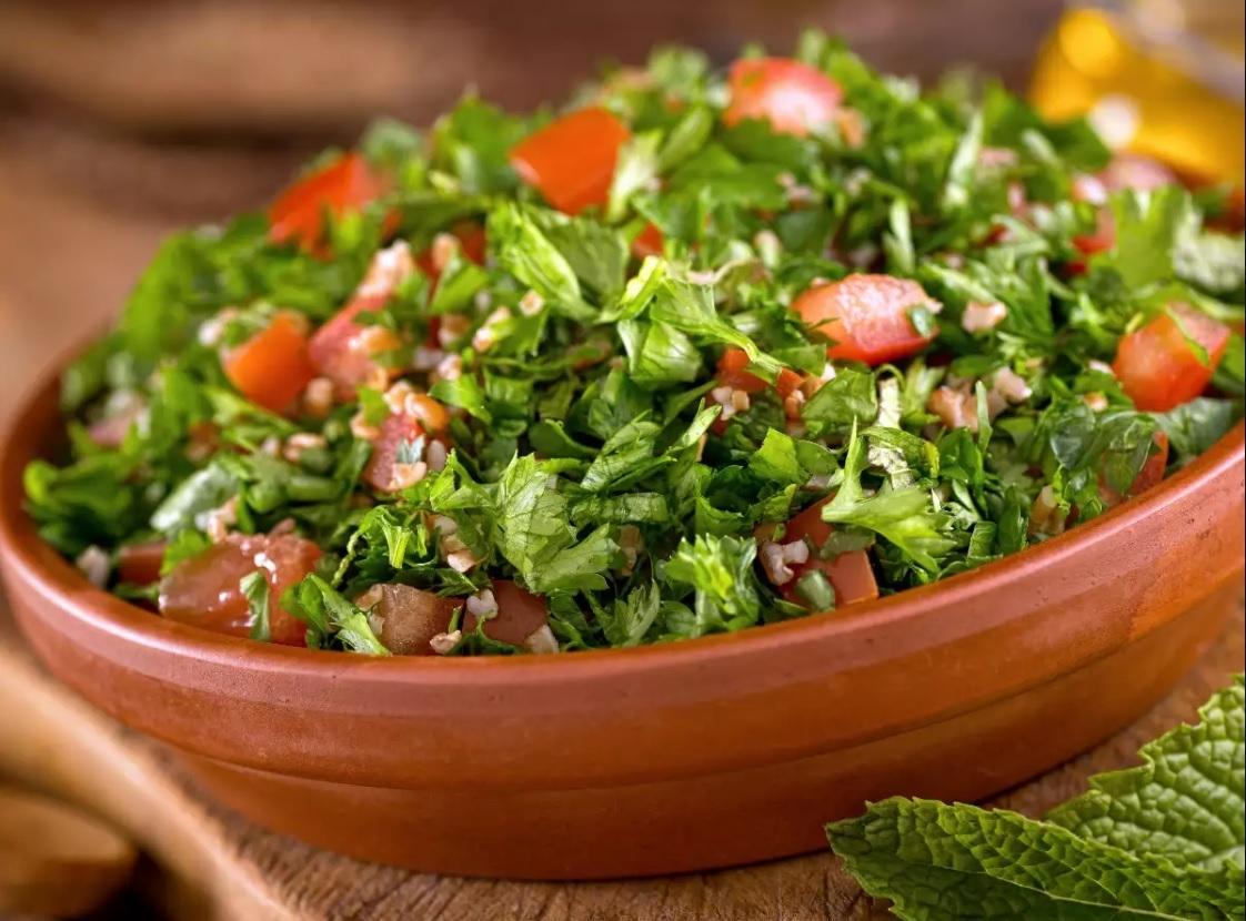 Dieta cu pătrunjel, cel mai eficient regim! Iată cum slăbeşti trei kilograme, în doar şapte zile