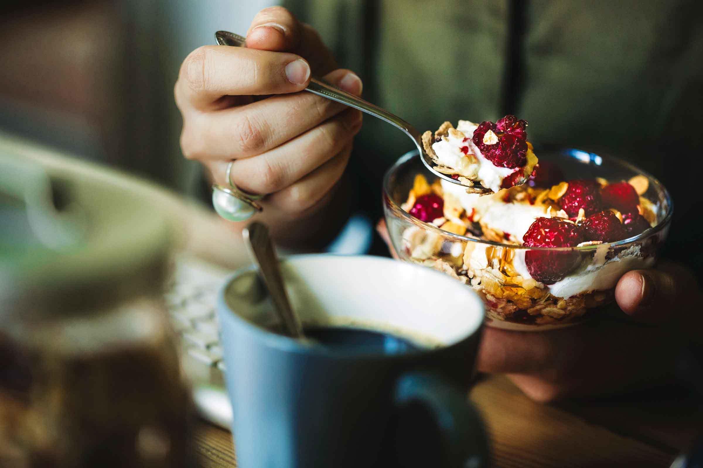 Dieta cu iaurt şi cereale, cea mai rapidă metodă de slăbit! Dai jos cinci kilograme, în şapte zile