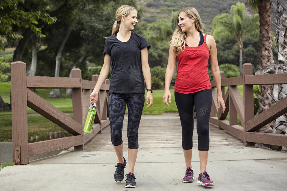 Mersul pe jos chiar te ajută să slăbeşti! Câţi paşi trebuie să faci pe zi ca să arzi calorii