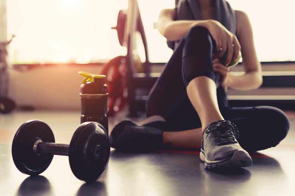 Care sunt cele mai bune exerciţii fitness pe care le poţi face seara