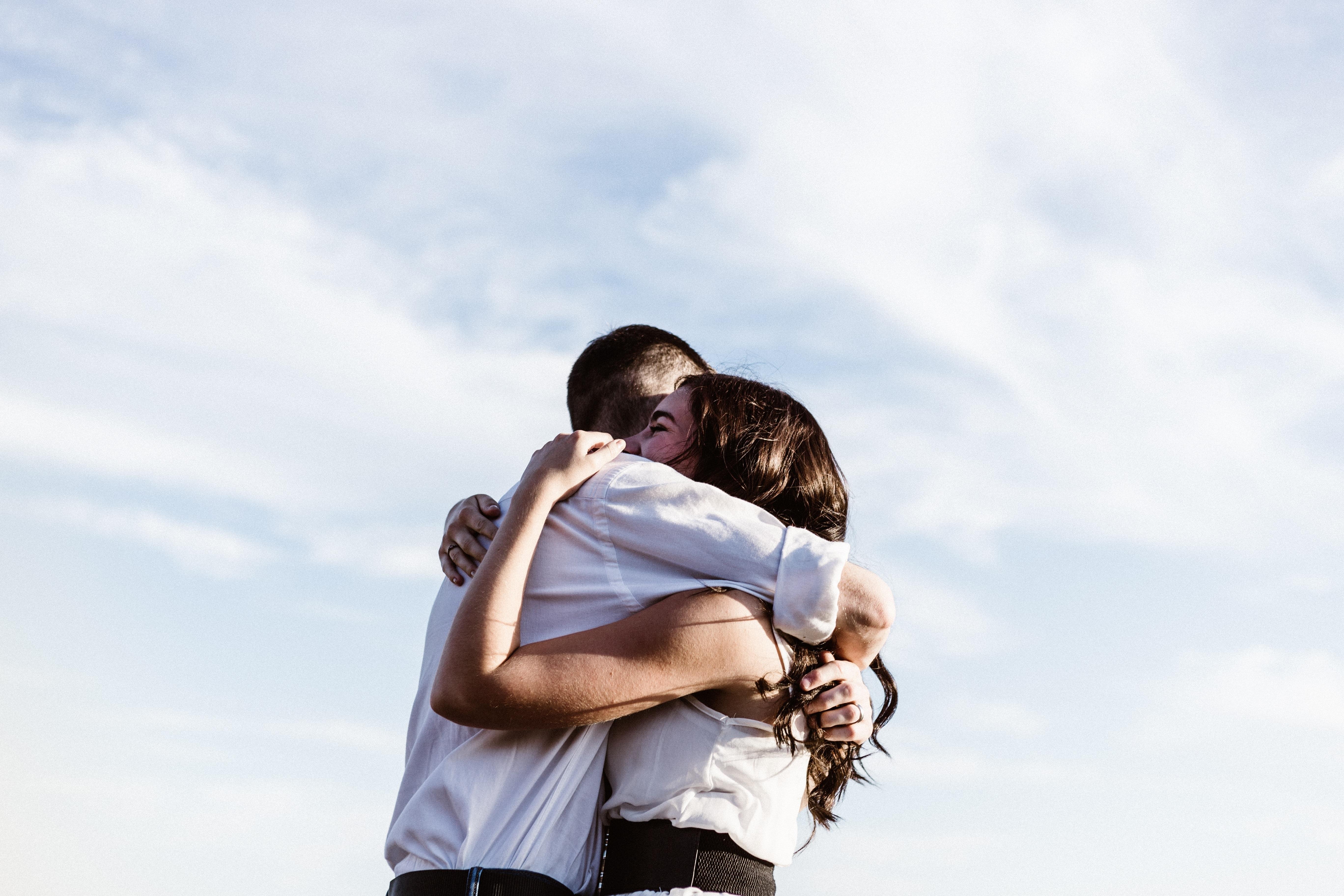 L-ai cucerit definitiv! 10 replici care arată că e îndrăgostit nebuneşte de tine