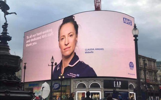 FOTO Cine este moaşa româncă aleasă ca imagine a sistemului de sănătate din Anglia