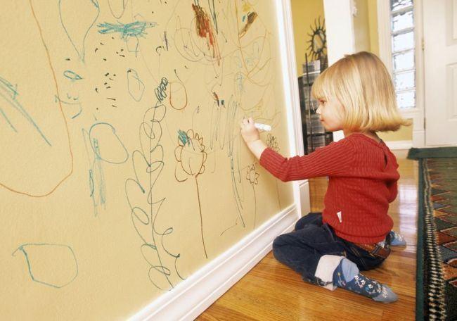 Cele mai simple şi eficiente soluţii de curăţare a pereţilor! Elimină petele urâte instant