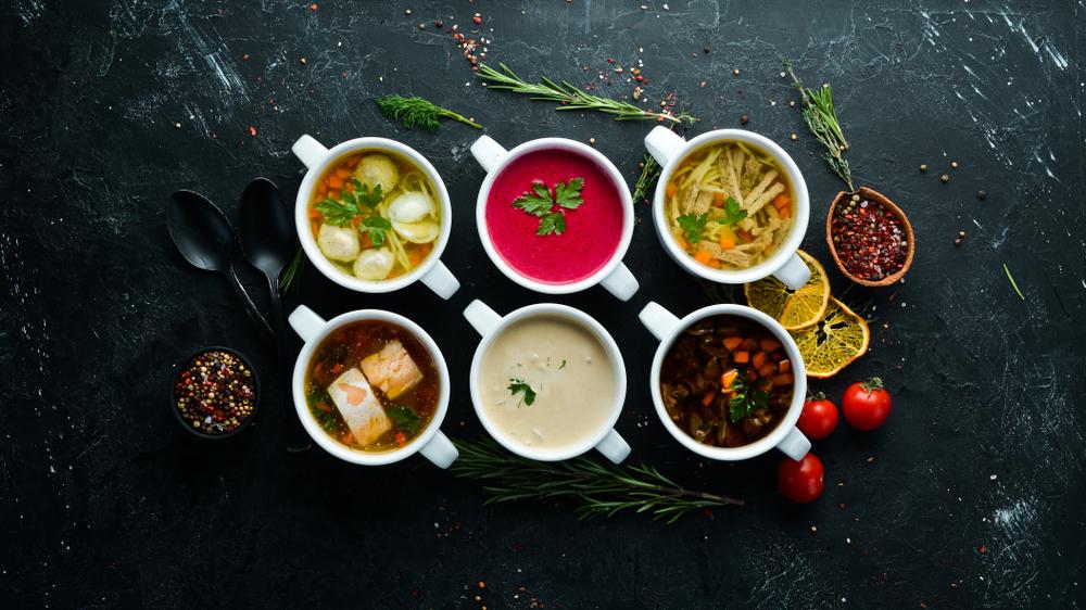 Cum să te răcoreşti pe caniculă: 5 supe rapide şi delicioase de vară