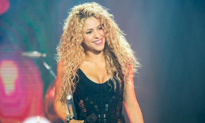 Shakira a jucat în telenovele. Era brunetă şi avea doar 17 ani! Uite cum arăta atunci