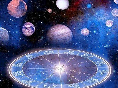 Top trei zodii care se îmbogăţesc în următoarele luni. Capricornii, favoriţii astrelor: vor întoarce banii cu lopata!