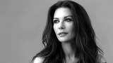 "Facebook produce un film serial, iar Catherine Zeta Jones va juca in superproductia ""Queen America"""