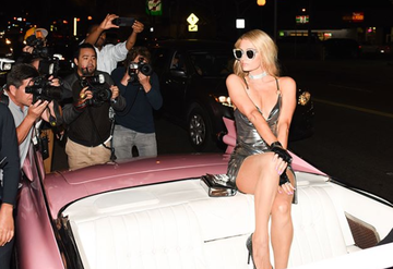 Paris Hilton vine in Romania! Va mixa in club!