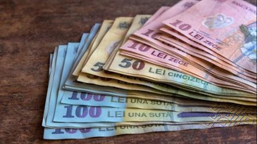 Se dau bani de la stat: cate 5.000 de lei de persoana! Banii intra pe card de 1 decembrie: vezi daca esti pe lista