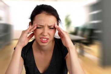 O femeie care a avut migrene severe timp de 25 de ani a revenit la o viata normala dupa ce a renuntat la doua alimente