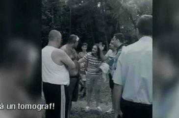 Momente de cosmar intr-un parc din centrul Capitalei. Trei barbati s-au batut cu bestialitate in fata unor copii, printre care si fiul unuia dintre ei