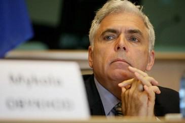 Adrian Severin are peste un milion de euro in conturi, dar mai castiga si alti 9.400 de lei pe luna, ca profesor universitar