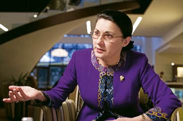 Ecaterina Andronescu are un venit urias! Fostul ministru al Educatiei incaseaza 24.000 de lei pe luna