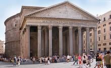 Romanca, arestata la Roma dupa ce a distrus doua candelabre din secolul XVIII