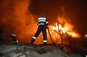 Un barbat se afla in stare grava dupa ce a luat foc in sediul Politiei din Gara de Nord Bucuresti