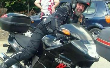 Un cunoscut motociclist din Baia Mare a murit dupa ce a fost accidentat de masina politiei