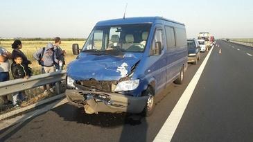 12 persoane, implicate intr-un accident pe autostrada Timisoara-Lugoj. O persoana a fost dusa de urgenta la spital