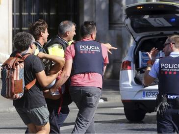 Numarul romanilor raniti in atentatul din Barcelona a crescut: Trei barbati si o femeie se afla in spital si primesc ingrijiri medicale