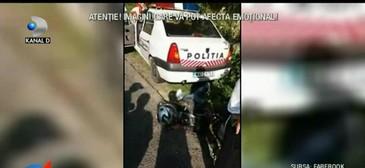 Imagini groaznice! Un motociclist a fost filmat zacand sub masina de politie care l-a vazut. Barbatul a fost urmarit de agenti