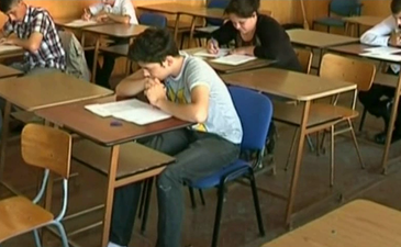 Elevii de clasa a XII-a ar putea avea inca o proba obligatorie la Bacalaureat
